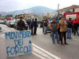 Forconi, la protesta non si ferma. A Ventimiglia la polizia rimuove i blocchi per la frontiera. Torino blindata