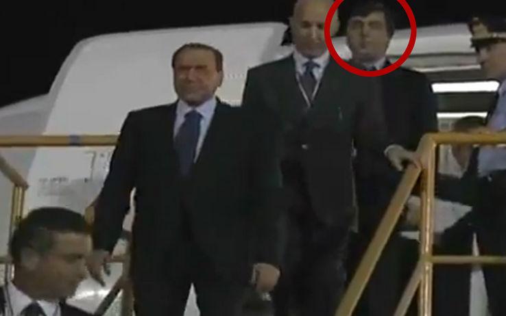 """Lavitola nuovo arresto per estorsione """"Aveva filmato Berlusconi con prostitute a Panama"""""""