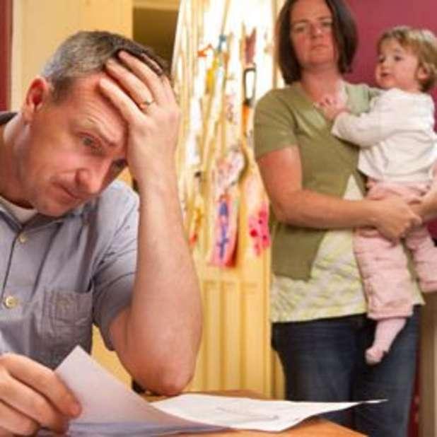 Allarme poverta': famiglie giu' il reddito del 7,3%. Un italiano su sei con meno di 640 euro