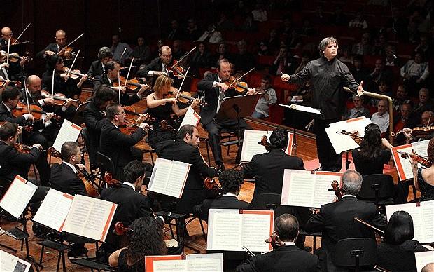 Orchestra Accademia S. Cecilia, applausi ed emozioni per la performance della pianista cinese Yuia Wang
