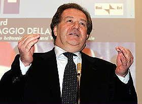 Roma, arrestato l'ex comandante dei vigili Angelo Giuliani per corruzione. Indagato Alfredo Meocci