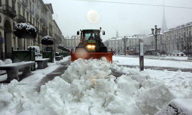 Maltempo, ancora forti disagi al Nord per le abbondanti nevicate. Nel Lazio danni per oltre 100 milioni di euro