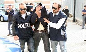 """Napoli, arrestato Mario Riccio il capo del clan """"Amato-Pagano"""" protagonista della seconda faida di Scampia"""
