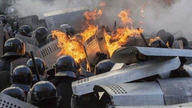 """Scontri a Kiev, 25 morti. Ucciso Vyacheslav Veremiy. Ianukovich: """"Il potere non si prende nelle strade o le piazze"""""""