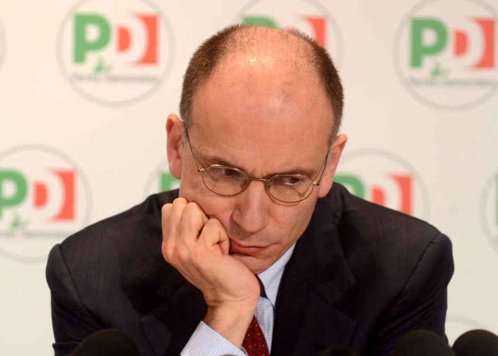 """Il Pd offre a Letta l'Economia (poi smentita) in cambio della resa.Casaleggio:""""elezioni subito"""""""