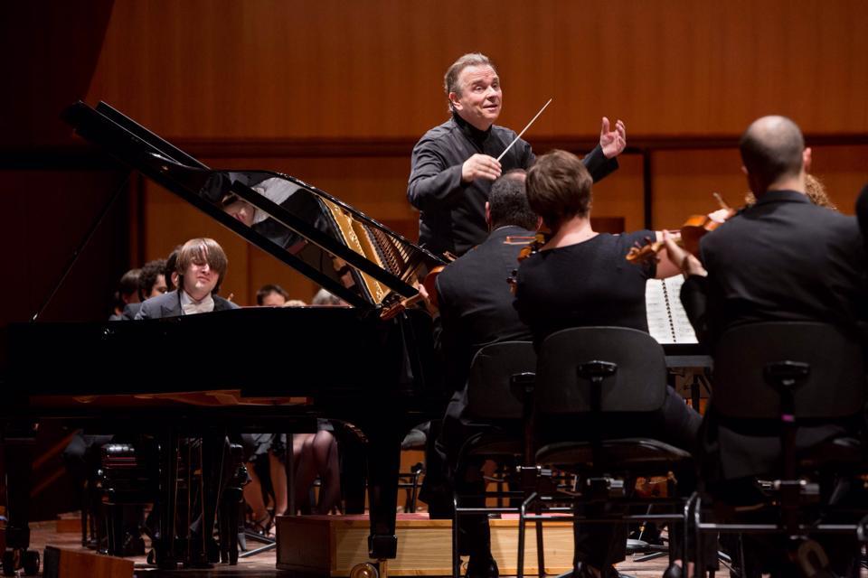 """Accademia S. Cecilia, di scena i virtuosismi: Sir Marck Elder alla direzione del """"Macbeth"""""""