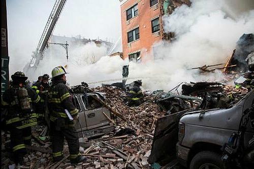 Esplosione a East Harlem, crollano due edifici: 2 morti e 18 feriti