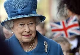 Tutti in fila per Francesco, dopo Obama in arrivo giovedì al vaticano la regina Elisabetta. Pranzo al Quirinale con Napolitano e Clio