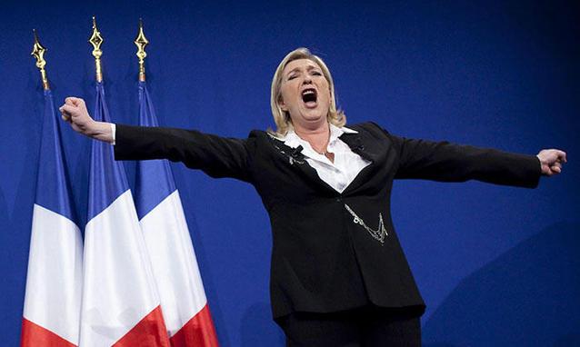Elezioni comunali in Francia, boom dell'estrema destra di Marine Le Pen. Hollande sconfitto, la sfida per Parigi