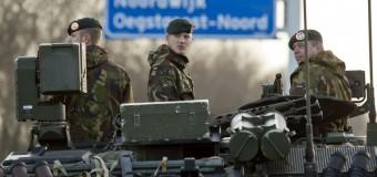 Kiev ritira le truppe dalla Crimea e i russi occupano le basi navali. Obama annuncia dure sanzioni insieme alla Ue
