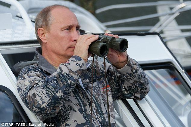 """Putin: """"Niente invasione per ora della Crimea"""" e sconfessa Yanukovich """"Un leader finito"""""""