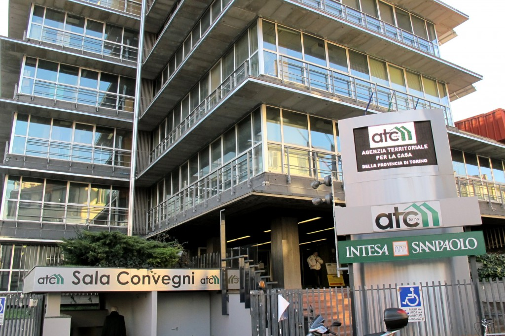 Torino, tangenti in cambio di appalti Atc: dieci persone arrestate