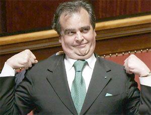 """Nuova """"porcata"""" di Calderoli, un emendamento (poi approvato) per salvare la Lega dal finanziamento illecito"""