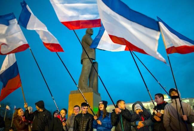 """Referendum, la Crimea sceglie Mosca ma Usa e Ue minacciano sanzioni: """"Un voto illegale"""""""