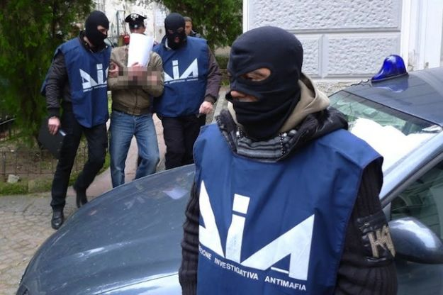 """Sventato attentato contro uomini dello stato. Il procuratore antimafia Roberti: """"la 'ndrangheta è pronta a colpire"""""""
