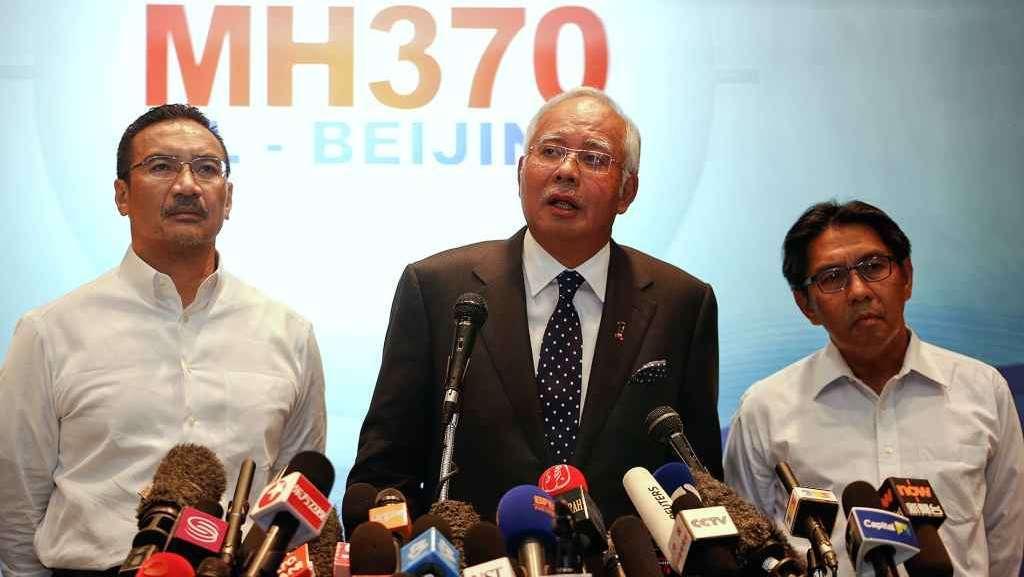 """Il premier malese: """"L'aereo scomparso e' precipitato nell'Oceano Indiano meridionale, non ci sono superstiti"""""""