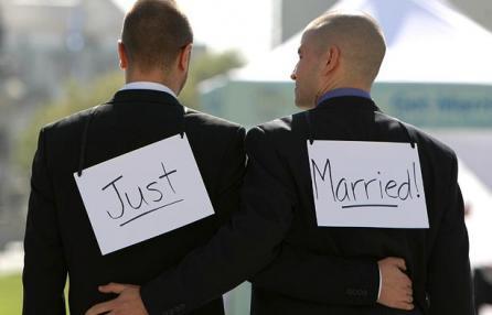 L'Italia apre alle Unioni Civili, entro la primavera una legge per regolarizzare le coppie gay