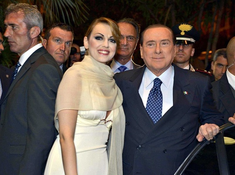 Crisi d'amore in casa Berlusconi, vacanze separate per Silvio e Francesca