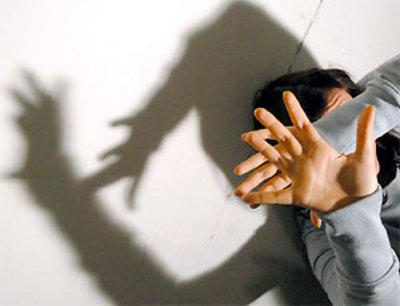 Reggio Emilia, picchiata e violentata per ore dal fidanzato che voleva lasciare