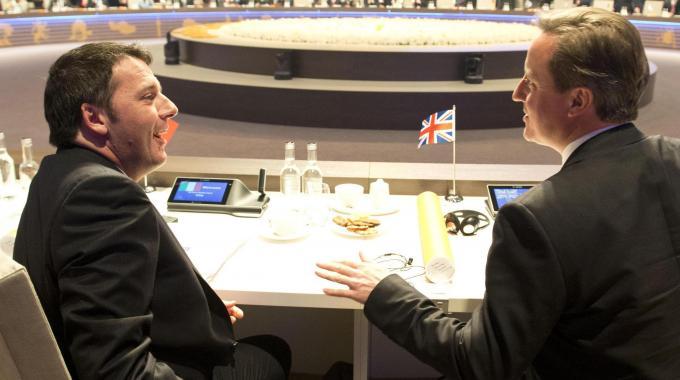 """Lavoro, Renzi a Downing Street. Cameron: """"La ricetta di Matteo e' anche la nostra, aiutera' la ripresa"""""""