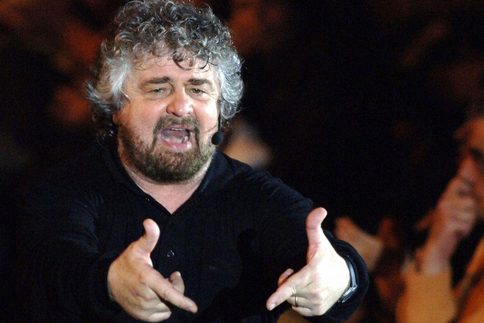 """Elezioni europee, Grillo si gioca l'aut aut: """"Dobbiamo fare un culo così a tutti. O vinciamo o me ne vado a casa. Non scherzo"""""""