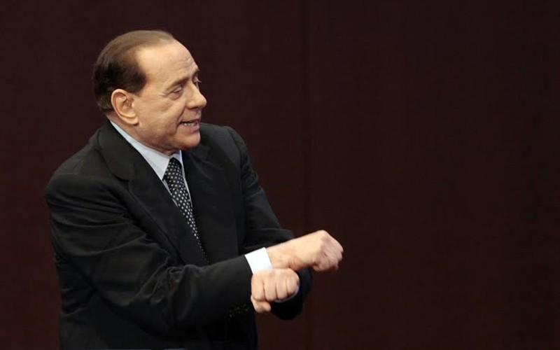 """Servizi sociali, Berlusconi firma per l'affidamento: """"Inizio la settimana prossima"""""""