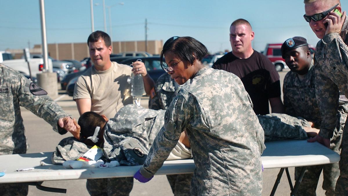 Texas, un uomo apre il fuoco nella base militare di Fort Hood: Quattro morti e sedici feriti