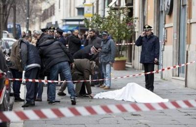 Panico a Roma, rapinatore prende in ostaggio una guardia giurata ma muore nel conflitto a fuoco coi carabinieri