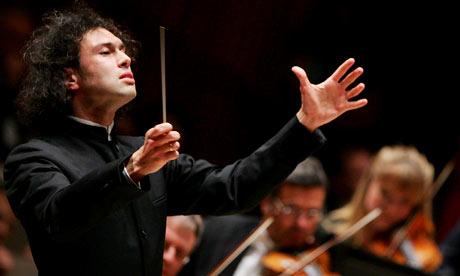 Orchestra Accademia S.Cecilia, ottanta minuti di grande musica sulle note di Mahler. Alla direzione Vladimir Jurowski