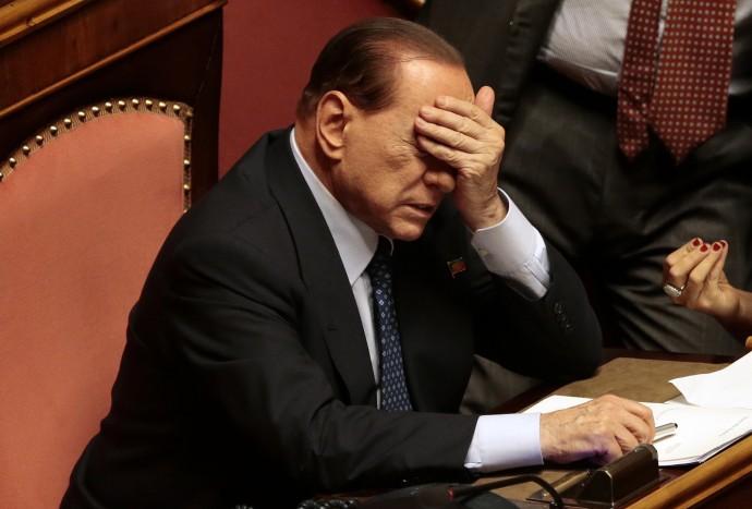 Berlusconi ai servizi sociali, inizierà il 9 maggio. Darà assistenza ai malati di Alzheimer