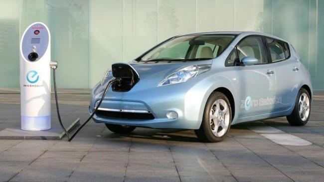 Incentivi auto fino a 5.000 euro, dal 6 maggio ripartono quelli per le auto ecologiche
