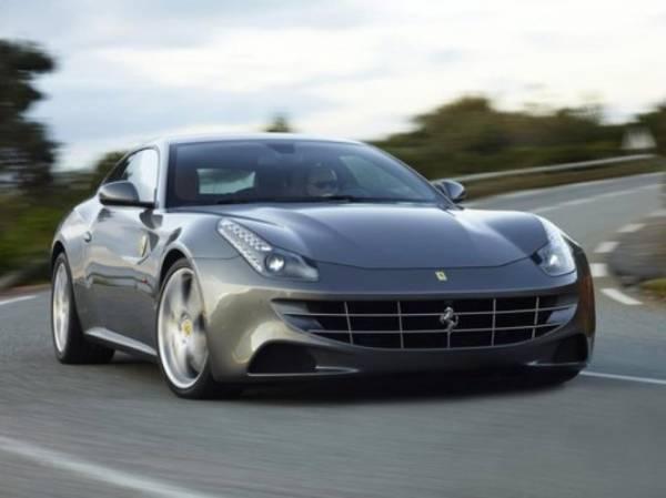 Fisco, evasi 347mila euro al minuto. Il 31.7% dei proprietari di super auto dichiara meno di 20000 euro