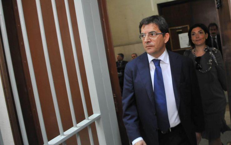 """Camorra, nuovo arresto per Nicola Cosentino. La Dda: """"Rapporto stabile con il Clan dei Casalesi"""""""