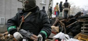 """Ucraina, Kiev contro i filorussi: 3 morti e 13 feriti. Putin: """"Spero di non dover usare la forza"""""""