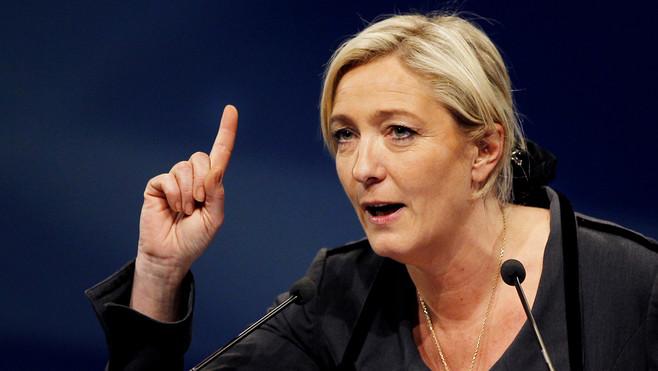 Francia, clamoroso successo del Fronte Nazionale di Marine Le Pen crolla il PS, Merkel tiene ma in Parlamento entrano i neo nazisti