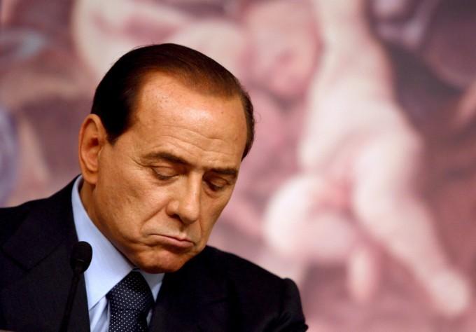 """Caso Geithner, Berlusconi: """"Nessun complotto, ma azione contro di me. Gravissimo il silenzio delle alte cariche dello Stato"""""""