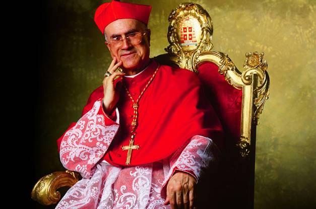Il tabloid tedesco Bild, indagato il cardinal Bertone per appropriazione indebita.