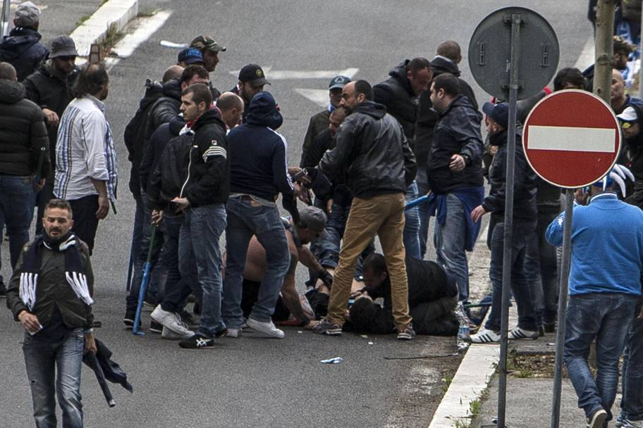 Olimpico, Napoli-Fiorentina (3-1), spari fuori dallo Stadio: 3 tifosi partenopei feriti uno grave