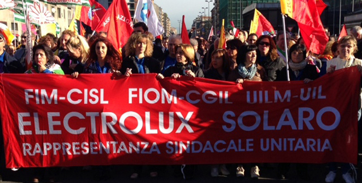 """Elettrolux, raggiunto l'accordo con i sindacati. """"Nessun lavoratore licenziato, nessuno stabilimento chiuso"""""""