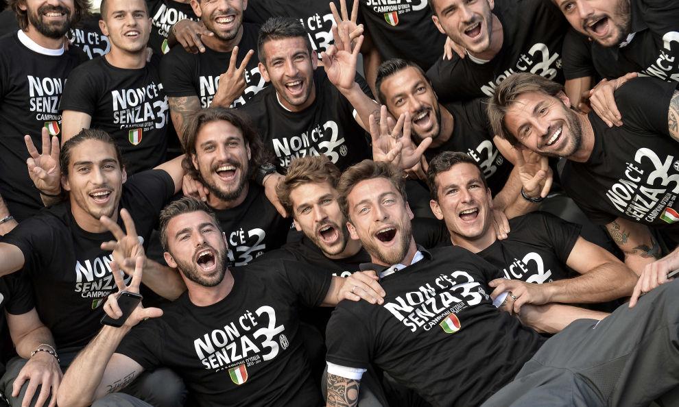 Juve campione d'Italia per la terza volta di fila, e senza nemmeno entrare in campo