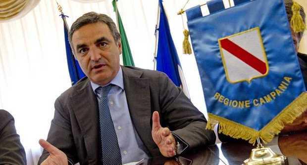Campania, arrestato per concussione il presidente del Consiglio Regionale Paolo Romano