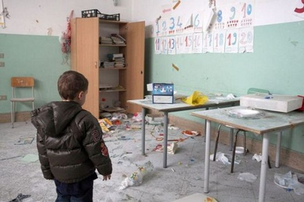 """Il Censis lancia l'allarme: una scuola su due ha problemi strutturali, 342mila alunni a rischio """"amianto"""""""