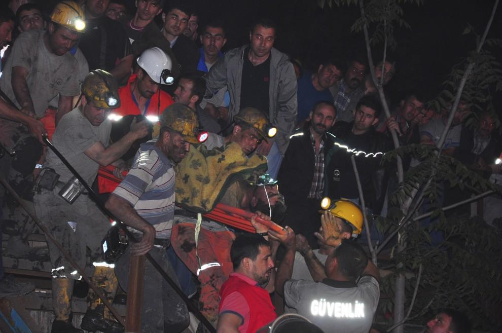 """Turchia, boato in una miniera di carbone: 201 morti e centinaia di persone disperse. Uygur: """"Il più grave incidente sul lavoro della storia del Paese"""""""