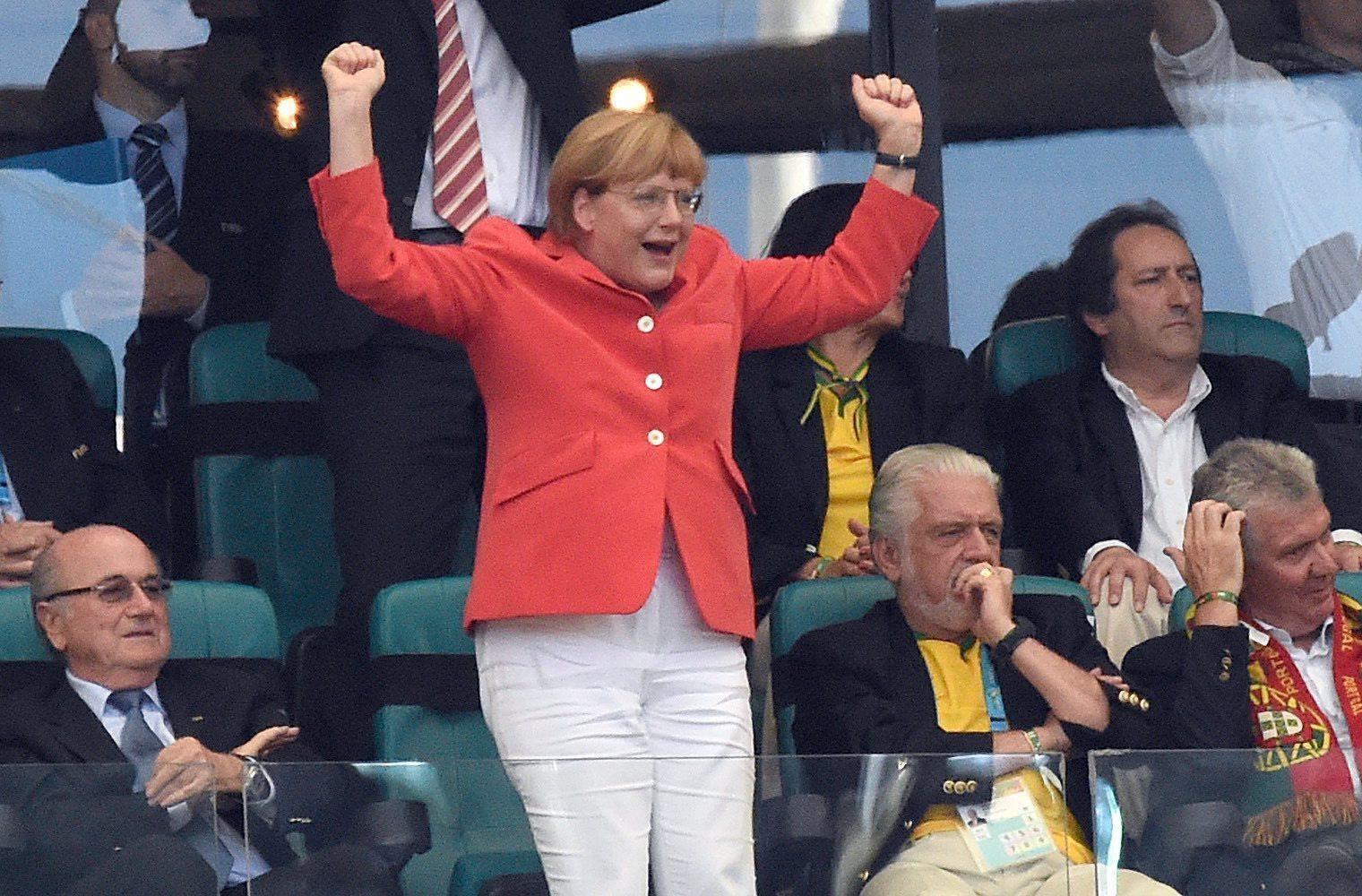 Mondiali 2014, la Germania cala il poker contro il Portogallo sotto gli occhi soddisatti della Merkel