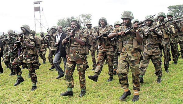 """Nigeria, Boko Haram cattura altre 60 donne. Il ministro della Difesa nigeriano: """"Attendiamo una conferma ufficiale del nuovo sequestro"""""""