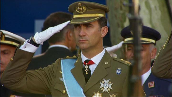 """Spagna, Felipe VI è il nuovo re """"La corona deve essere vicina ai cittadini e guadagnarsi il loro rispetto"""""""