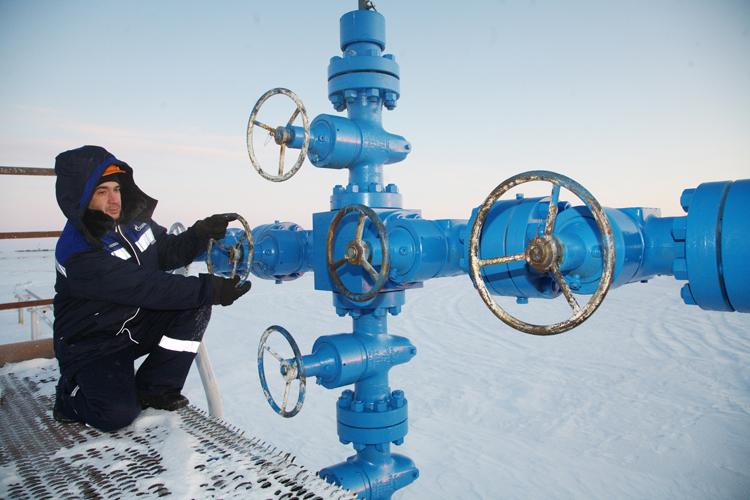 """La Russia chiude i rubinetti del gas: """"Lo forniremo all'Ucraina solo con pagamento anticipato"""". Rischio grosso anche per l'Italia"""