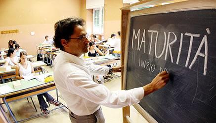 Esame di maturità, al Liceo Classico c'è 'Luciano', allo Scientifico il 'calcolo di integrali', al Turistico 'l'Expo'