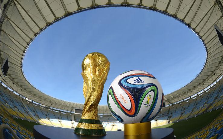 """Mondiale 2014, tutto pronto per il fischio d'inizio. Il Papa su twitter: """"Sia un Mondiale giocato con spirito fraterno"""""""