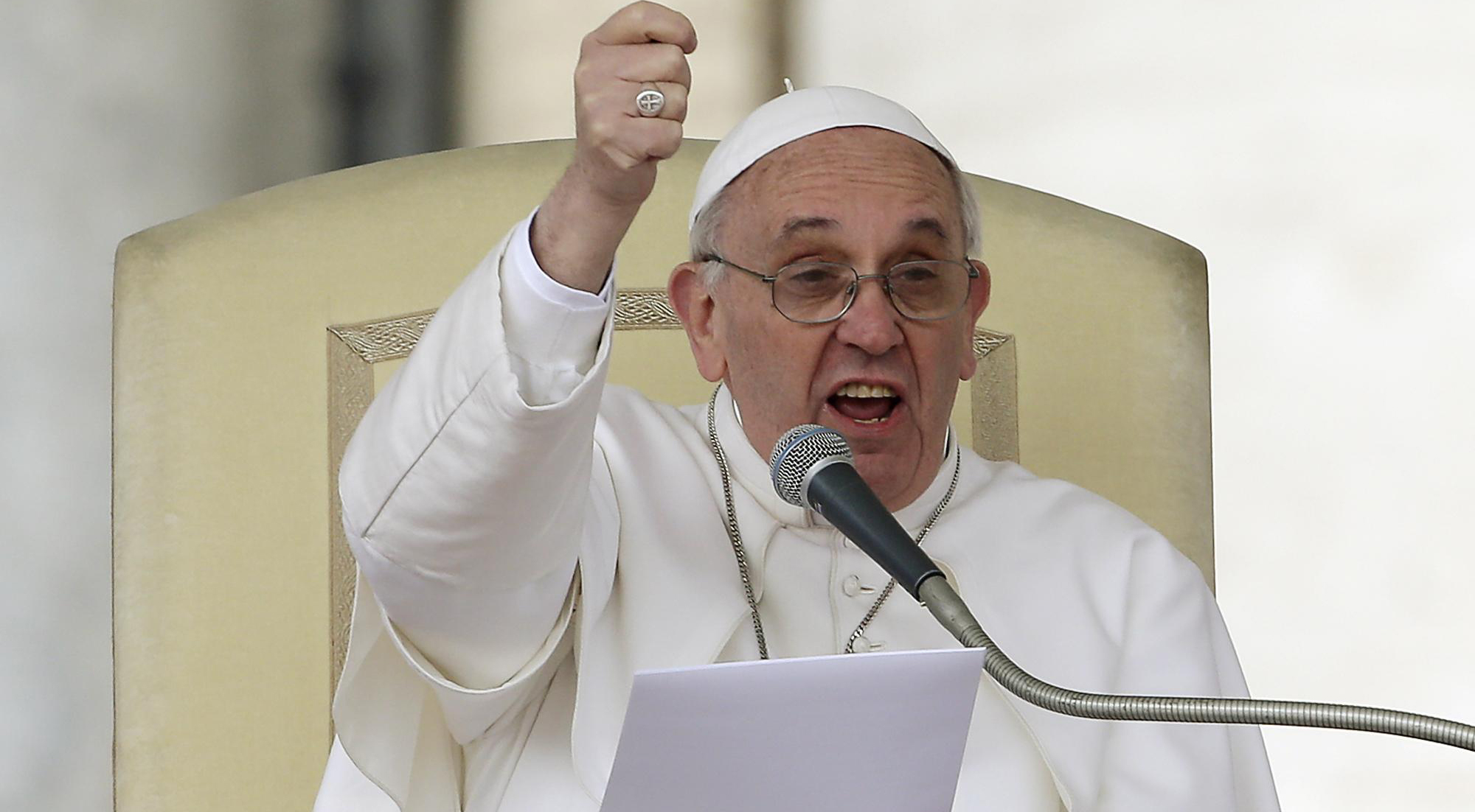 """Papa Francesco chiede la pace in Medio Oriente: """"Vi prego fermatevi, ve lo chiedo con tutto il cuore"""""""